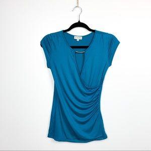 🌸2/$30🌸 Guess Short Sleeve Blue Blouse Ruching